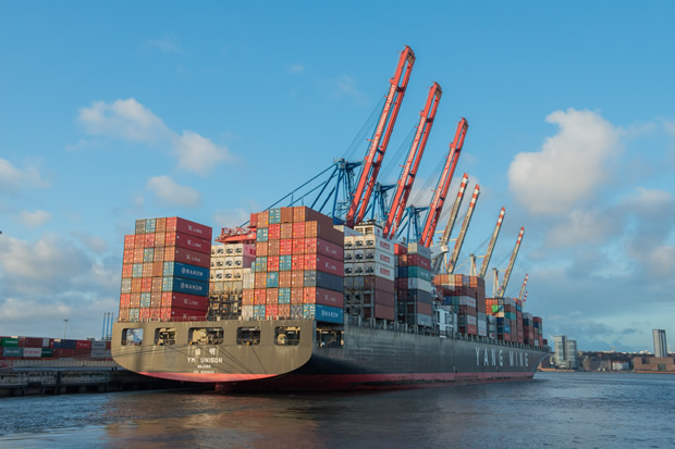 container-ship-596083[2]