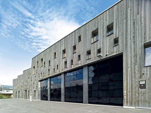 H 246 Rmann Locks Down Loading Bay Safety Warehouse
